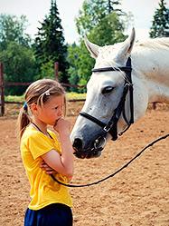 В эфире радио «Воскресение» прозвучал репортаж об открытии православной конно-спортивной школы
